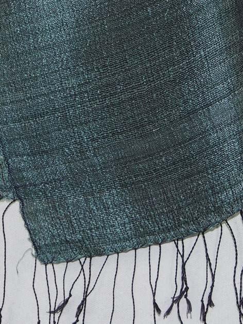 Echarpe en soie naturelle filée et tissée à la main par les artisanes des villages du Laos - artisanat authentique et équitable - code 201227-f3