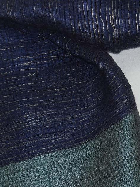 Echarpe en soie naturelle filée et tissée à la main par les artisanes des villages du Laos - artisanat authentique et équitable - code 201227-f2