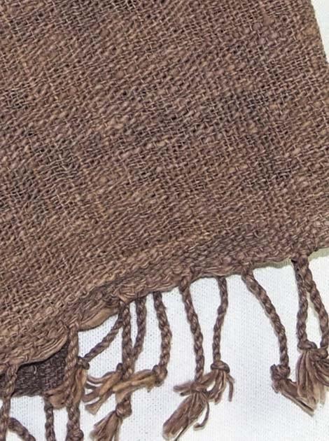 Echarpe en coton filée et tissée à la main par les artisanes des villages du Laos - artisanat authentique et équitable - code 201147-f2