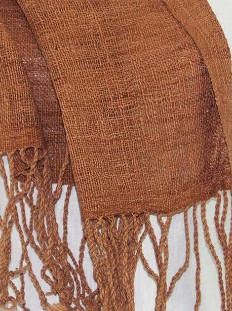 Echarpe en coton filée et tissée à la main par les artisanes des villages du Laos - artisanat authentique et équitable - code 201168-f2