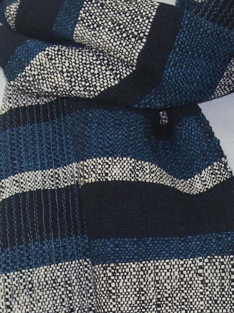 Echarpe en coton filée et tissée à la main par les artisanes des villages du Laos - artisanat authentique et équitable - code 201201-f1