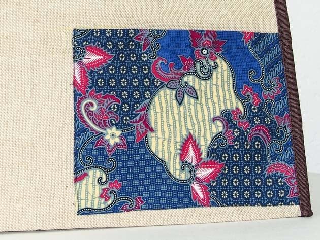 Sac panier en coton batik et jute cousu à la main par les artisanes des villages de la Thaïlande - artisanat équitable - code 102110BL-f3