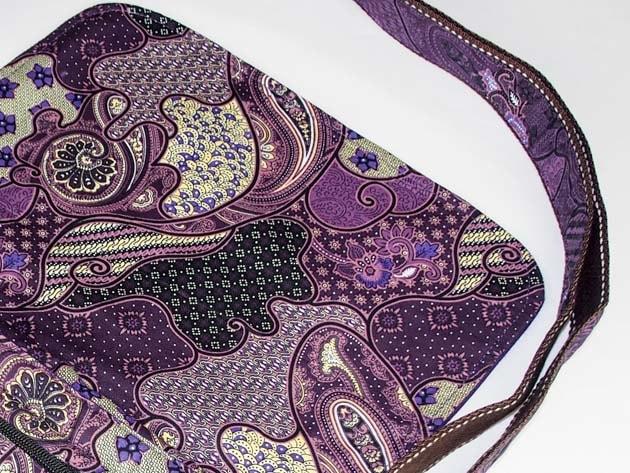 Sac en coton batik violet cousu à la main par les artisanes des villages de la Thaïlande - artisanat équitable - code 102102V-f3