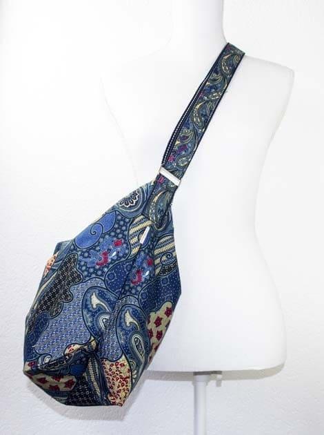 Sac en coton batik bleu cousu à la main par les artisanes des villages de la Thaïlande - commerce équitable - code 102107B-f2