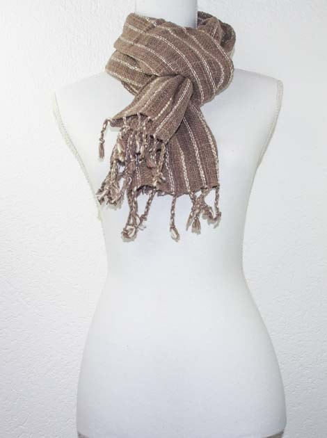 Echarpe en coton teinture naturelle filé et tissé à la main - artisanat cadeau équitable du Laos - code 2011718