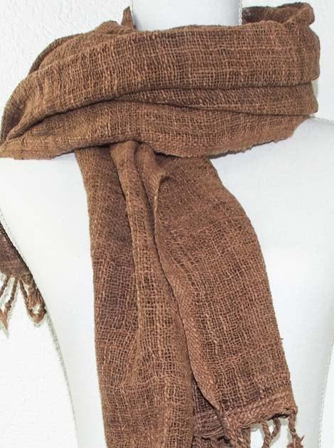 Echarpe en coton teinture naturelle filé et tissé à la main - artisanat cadeau équitable du Laos - code 2011721-f2