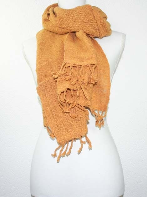 Echarpe en coton teinture naturelle filé et tissé à la main - artisanat cadeau équitable du Laos - code 2011722