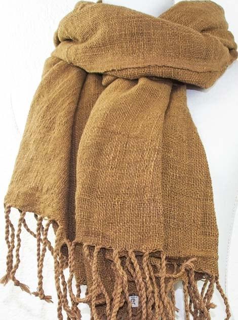 Echarpe en coton teinture naturelle filé et tissé à la main - artisanat cadeau équitable du Laos - code 2011723-f2