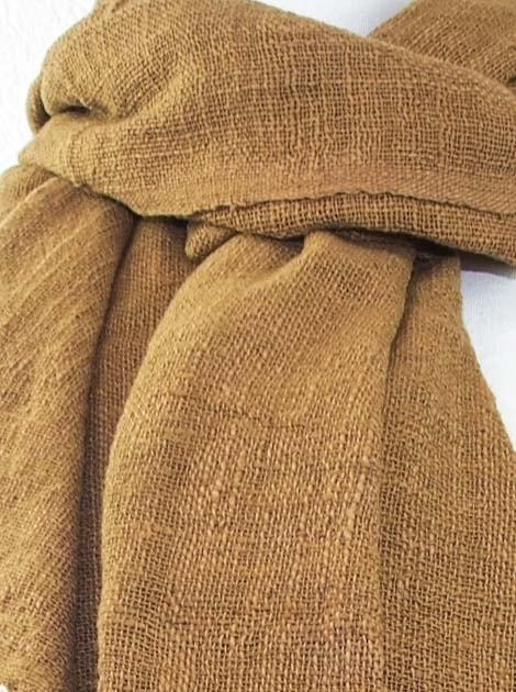 Echarpe en coton teinture naturelle filé et tissé à la main - artisanat cadeau équitable du Laos - code 2011723-f3