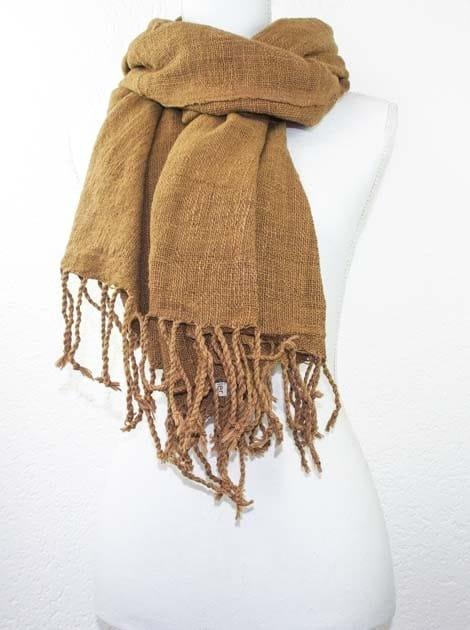 Echarpe en coton teinture naturelle filé et tissé à la main - artisanat cadeau équitable du Laos - code 2011723