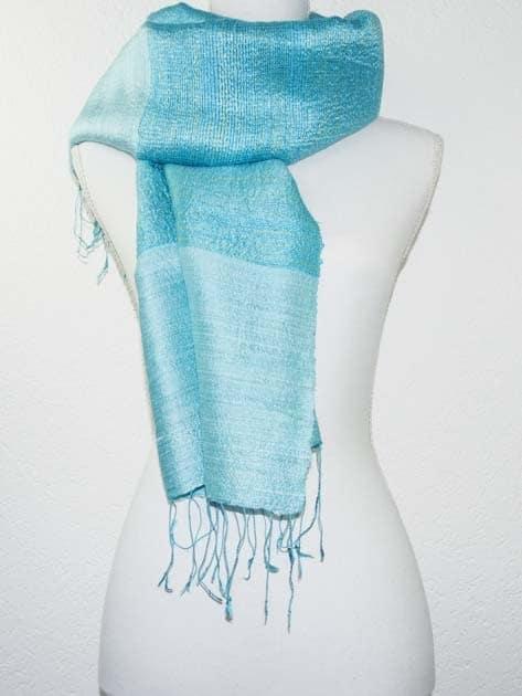Echarpe, foulard en soie naturelle filée et tissée à la main - artisanat cadeau équitable du Laos - code 2011710
