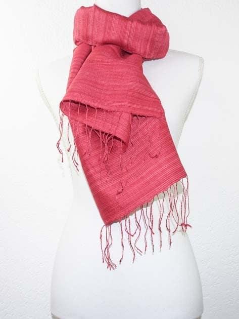 Echarpe, foulard en soie naturelle filée et tissée à la main - artisanat cadeau équitable du Laos - code 2011712