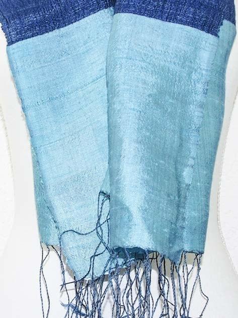 Echarpe, foulard en soie naturelle filée et tissée à la main - artisanat cadeau équitable du Laos - code 2011716-f3
