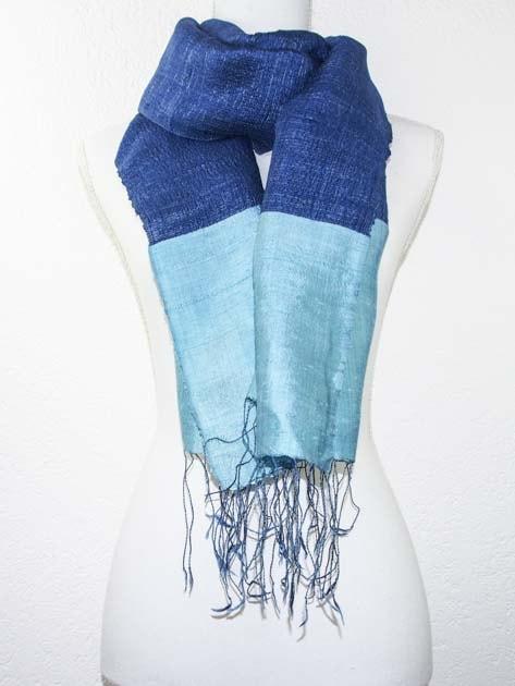 Echarpe, foulard en soie naturelle filée et tissée à la main - artisanat cadeau équitable du Laos - code 2011716