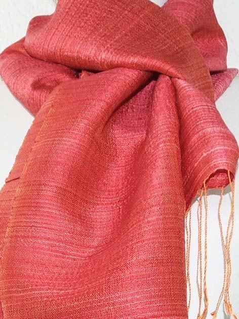 Echarpe, foulard en soie naturelle filée et tissée à la main - artisanat cadeau équitable du Laos - code 201175-f3