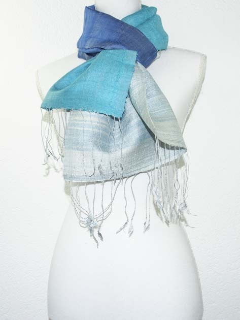 Echarpe, foulard en soie naturelle filée et tissée à la main - artisanat cadeau équitable du Laos - code 201176-f4