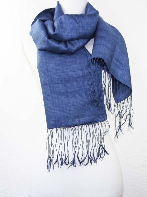Echarpe, foulard en soie naturelle filée et tissée à la main - artisanat cadeau équitable du Laos - code 201179