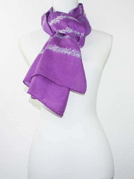 Foulard en soie naturelle tissé à la main - artisanat cadeau équitable du Cambodge - code 305110