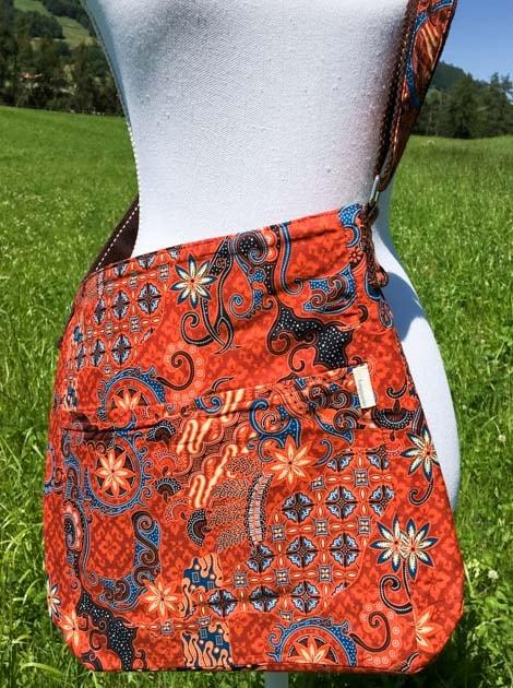 Sac bandoulière ou épaule en coton batik orange cousu à la main par les artisanes des villages de la Thaïlande - cadeau équitable - code 102135O-f3