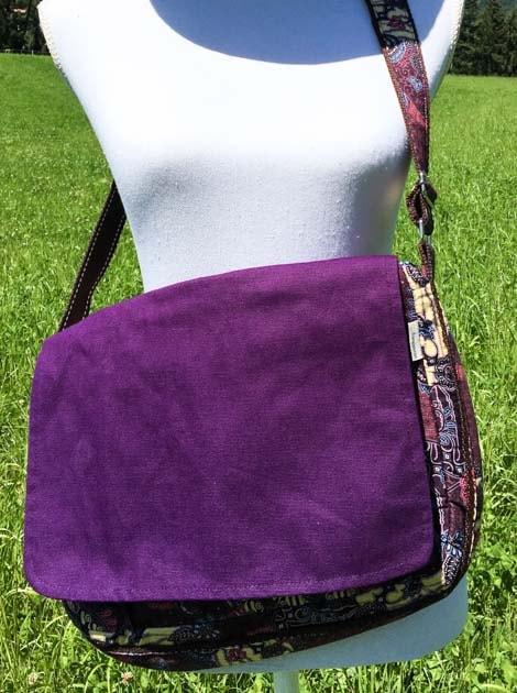 Sac bandoulière ou épaule en coton batik violet cousu à la main par les artisanes des villages de la Thaïlande - cadeau équitable - code 102102V2-f2