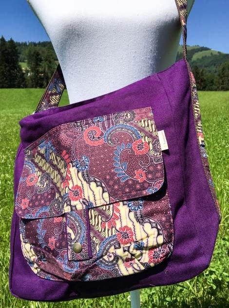 Sac bandoulière ou épaule en coton batik violet cousu à la main par les artisanes des villages de la Thaïlande - cadeau équitable - code 102136VI-f2