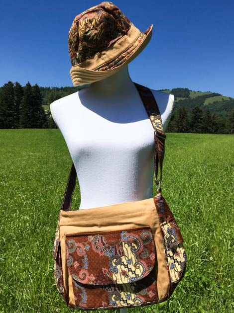 Sac bandoulière ou épaule en coton batik brun cousu à la main par les artisanes des villages de la Thaïlande - cadeau équitable - code 102140B