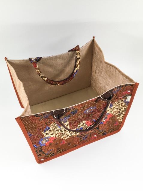 frangipanier-artisanat-equitable-panier-jute-coton-batik-thailande-102132NB-f3
