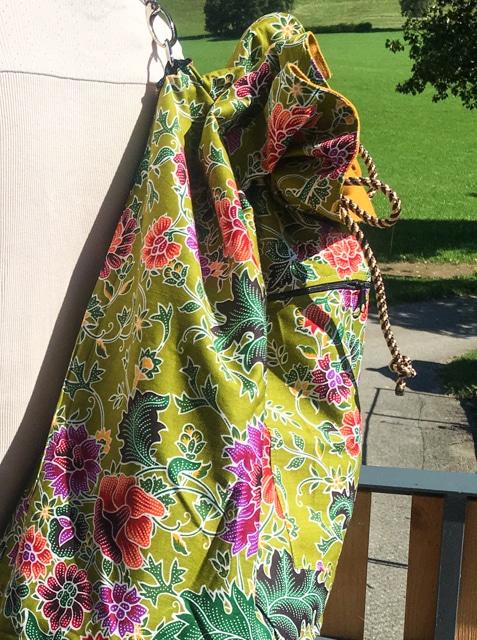 frangipanier-artisanat-equitable-sac-dos-plage-batik-thailande-102162O-f3