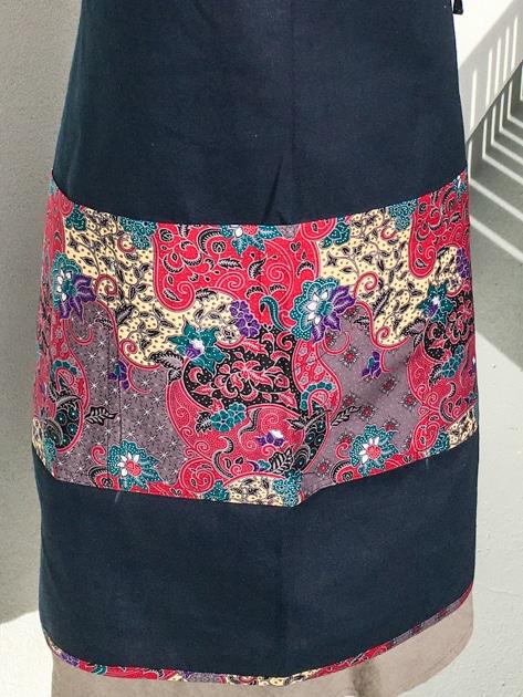 frangipanier-commerce-equitable-tablier-coton-batik-102148-1105-f4